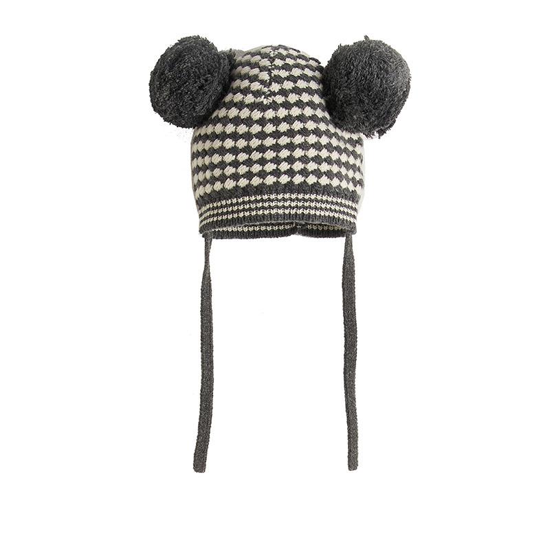 Bonnie Mob hat in monochrome pom pom